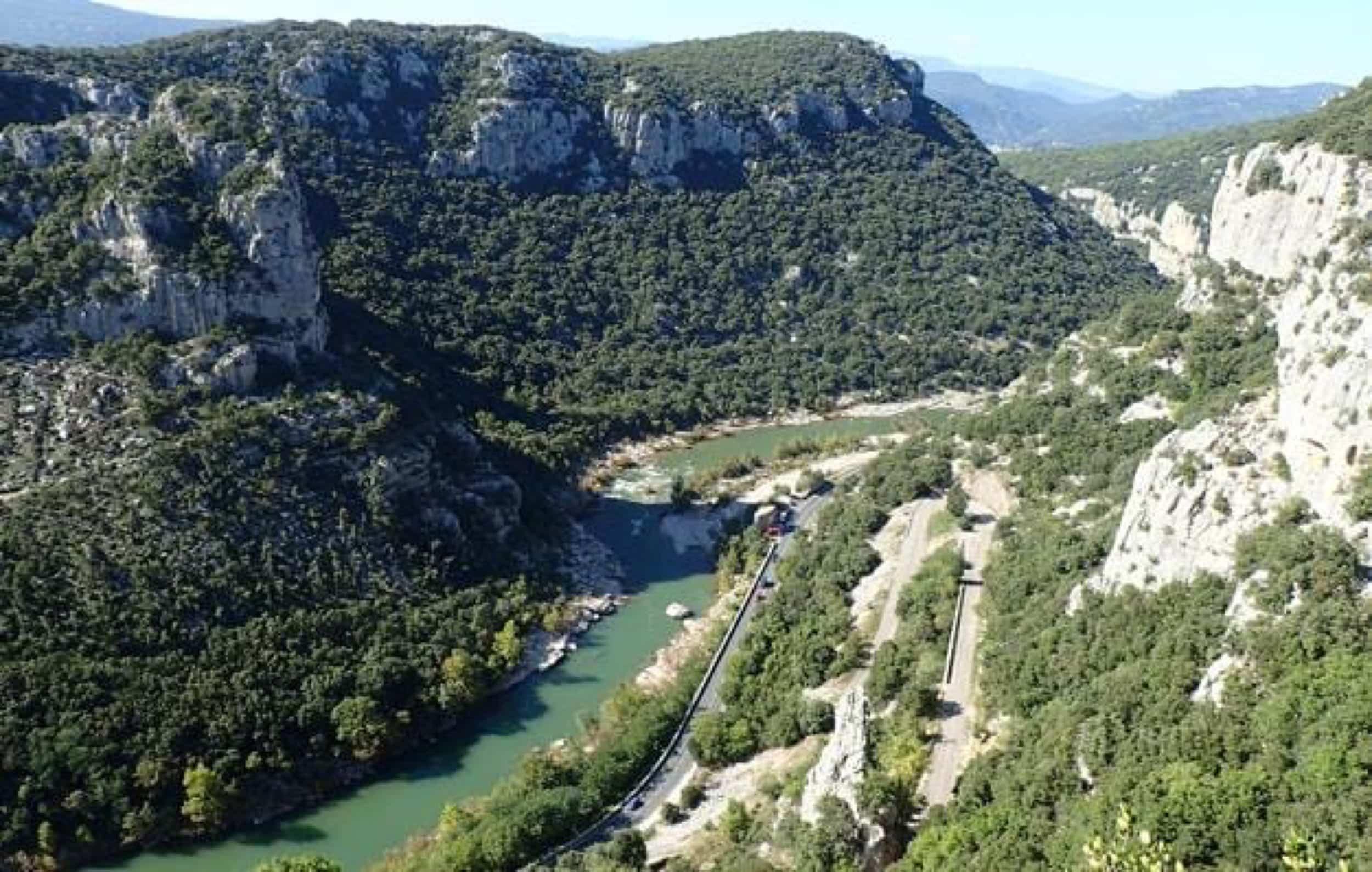 Vue sur l'Hérault depuis la via ferrata du Thaurac